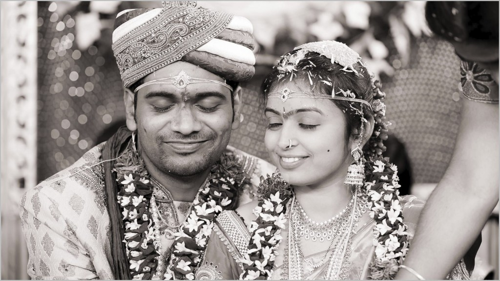 warangal-candid-wedding-photographer-wedding-reception-session-photos