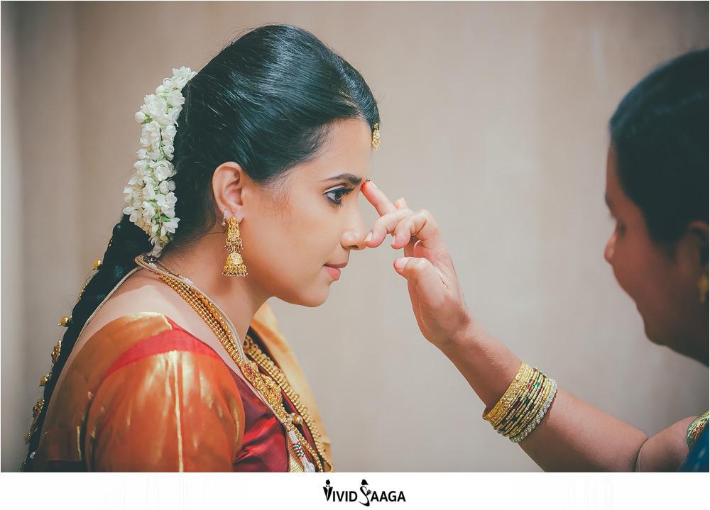 Candid wedding photographers in Vijayawada-dk-144