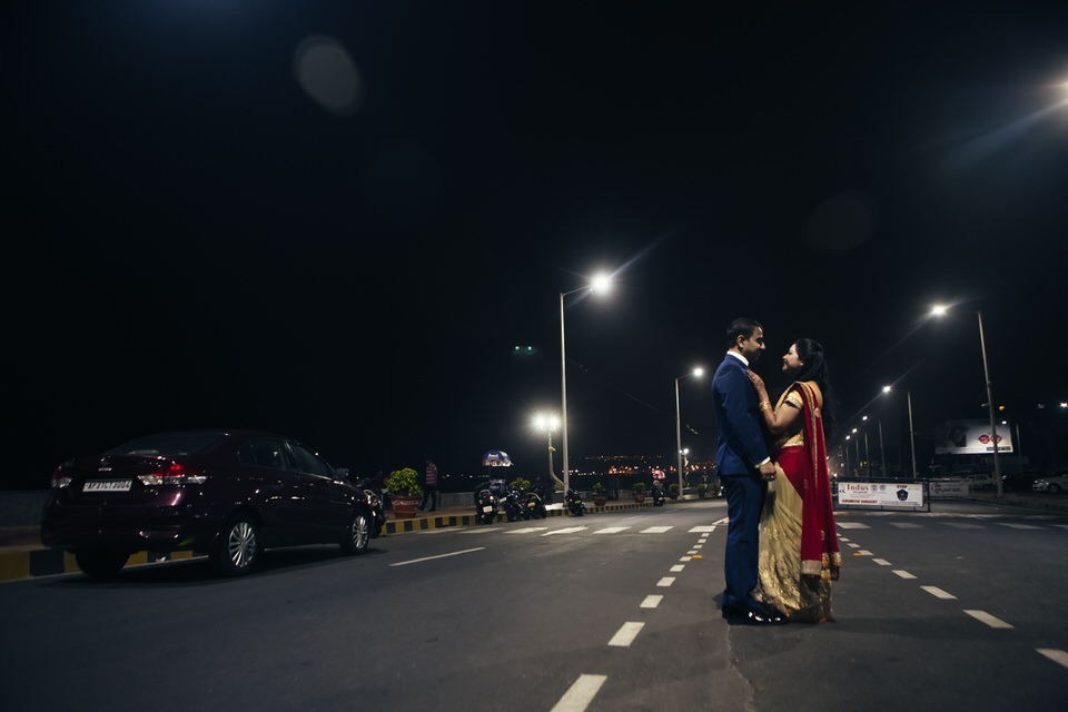 couple shoot in vizag beach road